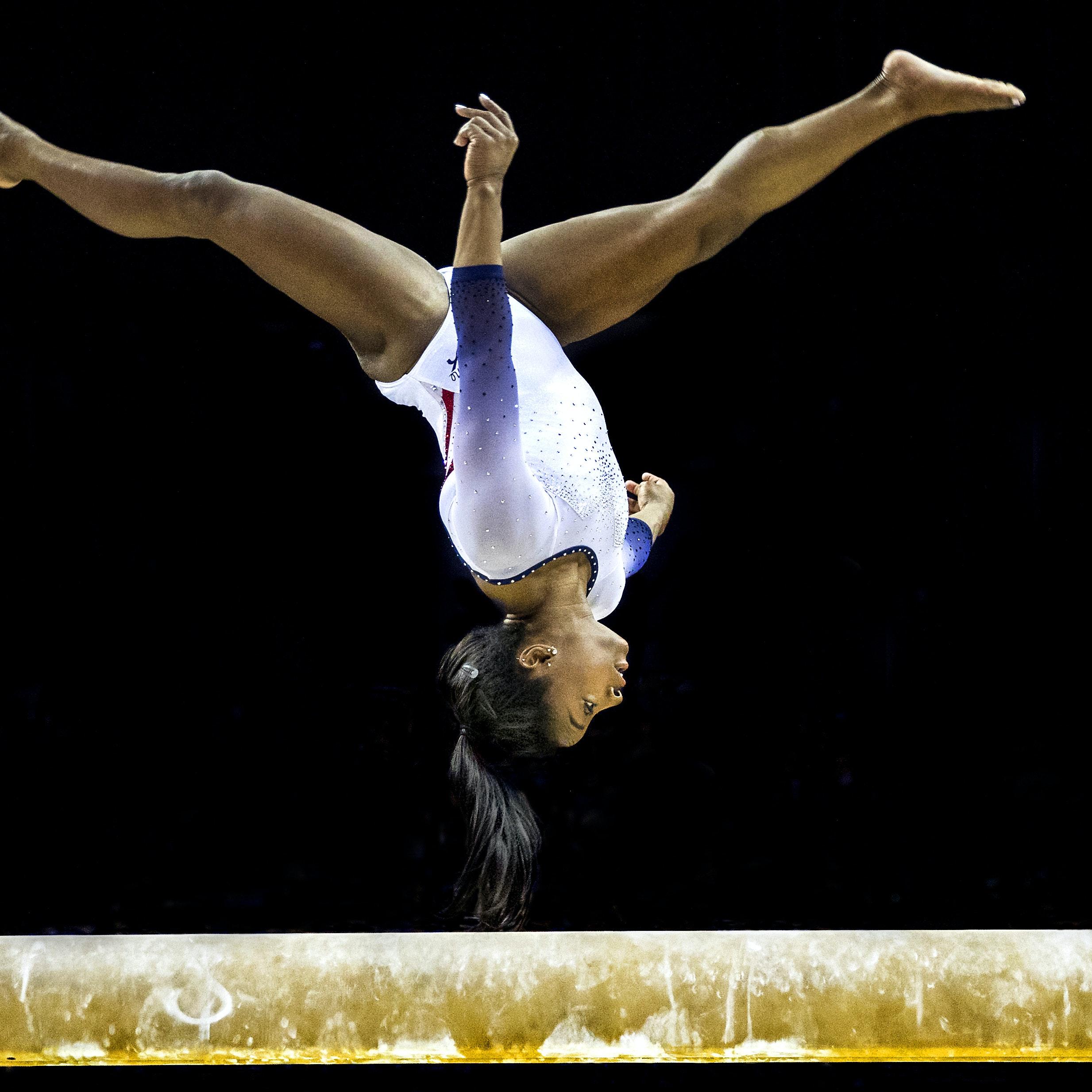 OL er fuld i gang i Tokyo, men atleterne kommer ikke til guldet uden besvære. Vi Unge har snakket med en ekspert i sportssociologi for at finde ud af, hvad præstation under pres gør ved det mentale helbred