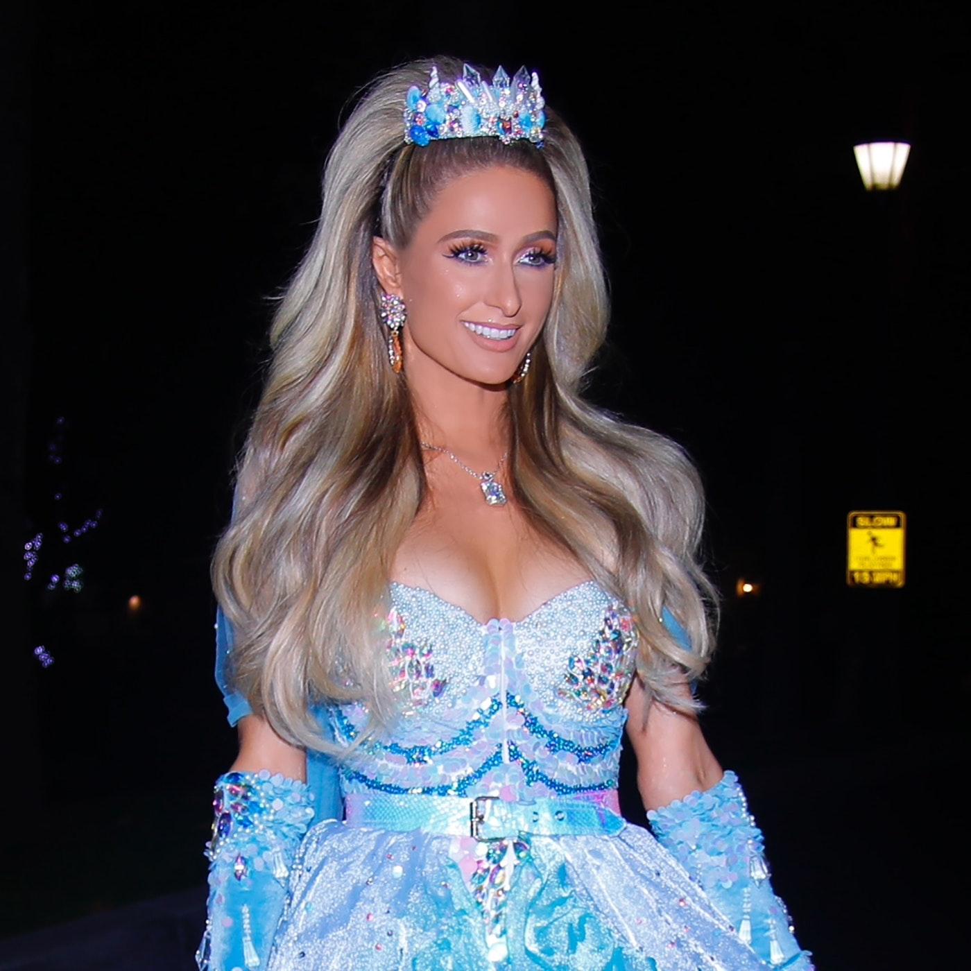 Så mange kjoler skal Hilton bruge til sit bryllup