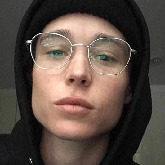 Se billedet: Elliot Page skaber historie som den første transkønnede på forsiden af Time Magazine
