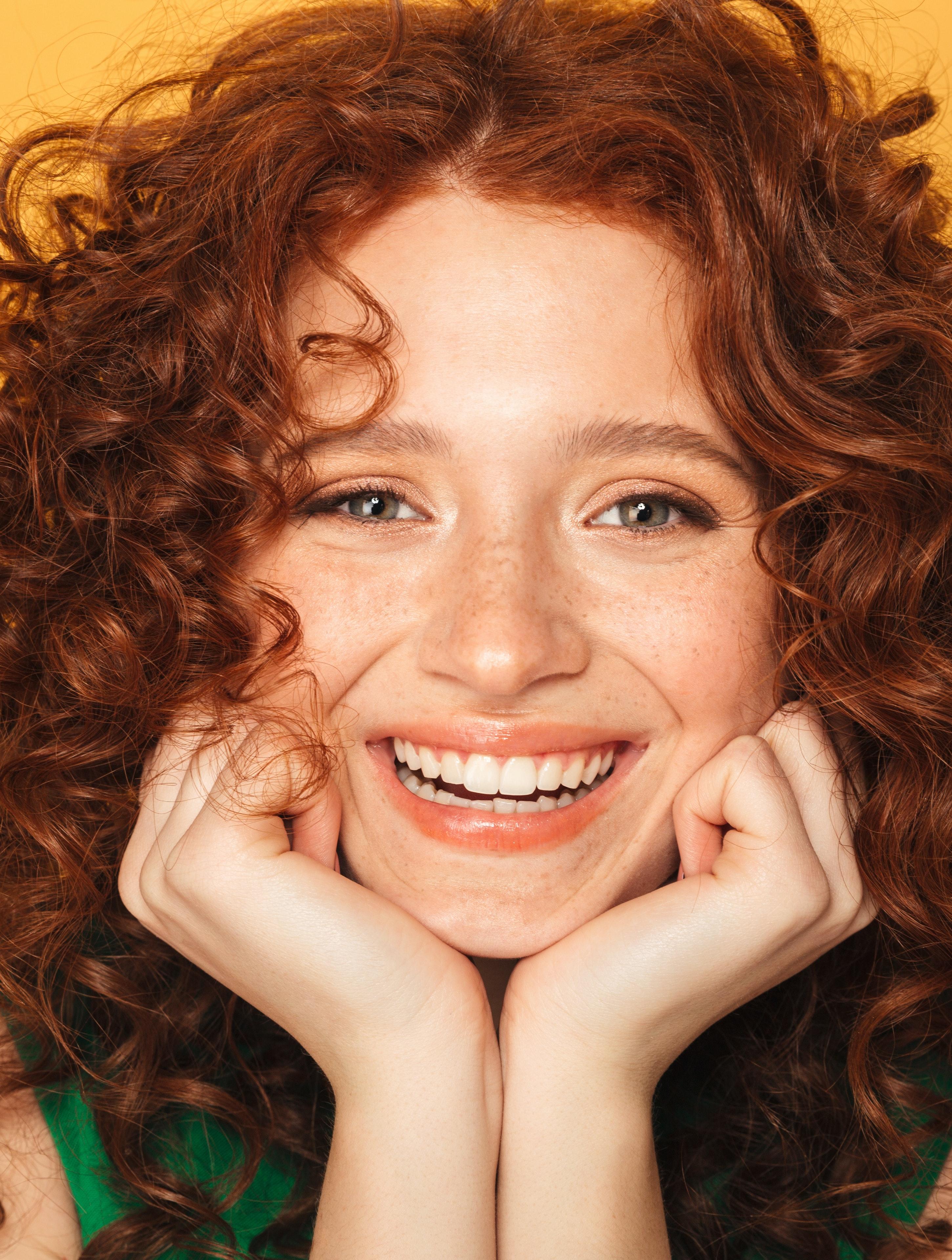 Test: Krøller, glat eller farvet hår? Sådan skal du pleje dit hår