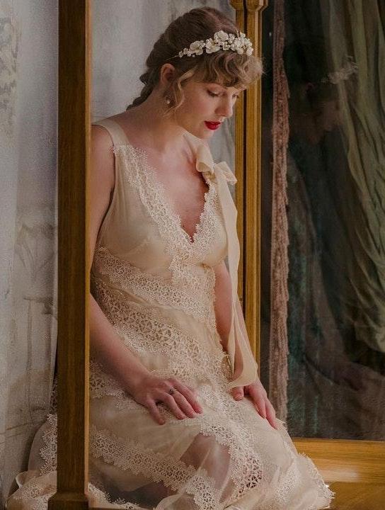 Ugens hits Sophie Turner reagerer på Taylor Swifts nye sang om Joe Jonas