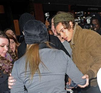 Harry Styles hjælper fan