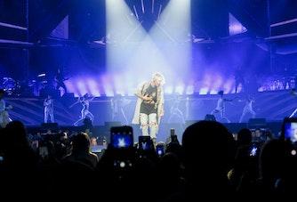Justin Bieber på scenen på Purpose-turnéen